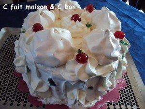 Le vacherin glacé vanille-fraise dans dessert vacherin-fraise-vanille-007-300x225