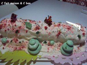 bûche glacée vanille-fraise-pralines roses dans dessert buch-noel-2012-300x225